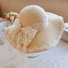 Oversized lace bow straw hat for girl wide brim summer wear Tea Hats, Tea Party Hats, Hat Decoration, Wide Brim Sun Hat, Victorian Hats, Floppy Hats, Hat Crafts, Sun Hats For Women, Retro Stil