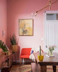 Pretty in Pink: Ich liebe rosa Wände! verde escuro suvinil Pretty in Pink: Dining Room Makeover — Probably This Pink Dining Rooms, Gold Rooms, Deco Rose, Sweet Home, Red Interiors, Retro Home Decor, Modern Decor, Modern Furniture, Home And Deco