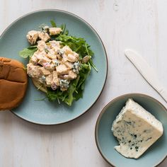 Blue cheese lovers will adore this take on the classic chicken salad sandwich. Leftovers Recipes, Lunch Recipes, Wine Recipes, Salad Recipes, Vegetarian Recipes, Cooking Recipes, Cheese Recipes, Sandwich Sides, Sandwich Fillings
