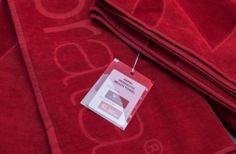A Enamorata®, marca portuguesa de moda banho apresenta a primeira toalha de praia anti-mosquitos, um produto 100% nacional, com grande valor acrescentado para combater doenças como febre amarela, dengue ou malária, desenvolvido em parceria com a empresa Smart Inovation.