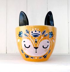 Orange Fox Planter by KraftyKDesign, the perfect gift for Explore more unique gifts in our curated marketplace. Painted Plant Pots, Ceramic Plant Pots, Dot Painting, Ceramic Painting, Flower Pot People, Diy Planters, Concrete Planters, Mugs For Men, Small Plants