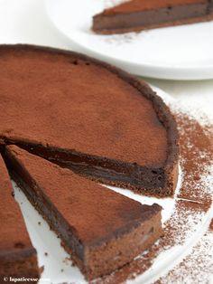 Rezept für warme Schokoladentarte nach französischer Art. Schokoladenkuchen mit flüssigem Kern * Recipe for french warm Chocolate Tart * Recette de Tarte tiède au chocolat noir * Made by La Pâticesse