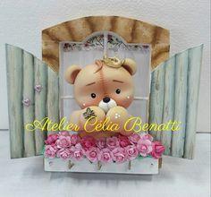 Porta chaves Teddy Porta chaves de mdf trabalhado em biscuit (cold porcelain) com ursinho Teddy. À venda: www.elo7.com.br/celiabenatti