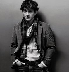Hugh Dancy. @Quincey Savage for your new board no? :)
