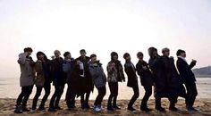 their ridiculously adorable pose from exo showtime ♡ miss that show :( I demand a season But it won't be completely fun again because 2 are missing.