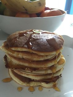 Make an epic pancake stack with this American style pancake recipe. Thick and fluffy pancakes with syrup is such a winning combination for an epic brunch! Fruit Pancakes, Fluffy Pancakes, Jamie Oliver Pancakes, American Style Pancakes, Pancake Stack, Non Stick Pan, Some Recipe, Egg Recipes, Love Food