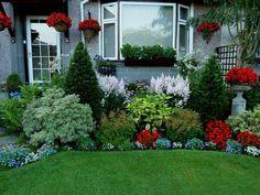 wonderful-bushes-decoration-for-small-backyard-flower-garden-designs