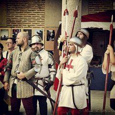 Cuadrilleros a la espera. En Madrigal Medieval 2014