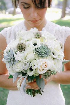 Roses, anemones, succulents... it has all our favorites in one rustic wedding bouquet! Floral Design: Glamour & Grace via Linen Table Cloth