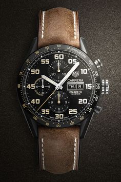 Dieser Carrera-Chronograph von TAG-Heuer kombiniert Retro-Elemente mit modernen Materialien.