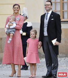 Victoria de Suecia, su 'mini yo' y otras coincidencias en el bautizo real - Foto…