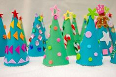 2013 Beautiful Paper Christmas Tree Crafts, Bright Green paper Christmas tree Crafts for DIY Christmas tree crafts Christmas Crafts For Toddlers, Preschool Christmas, Toddler Christmas, Christmas Activities, Christmas Crafts For Kids, Preschool Crafts, Kids Christmas, Holiday Crafts, Christmas Trees