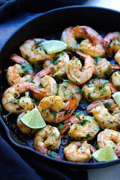 Cilantro Lime Shrimp – best shrimp ever with cilantro, lime & garlic on sizzling skillet. Crazy delicious recipe, takes 15 mins. Lime Shrimp Recipes, Cilantro Lime Shrimp, Fish Recipes, Seafood Recipes, Mexican Food Recipes, Cooking Recipes, Chili Lime Shrimp, Shrimp Tacos, Shrimp Dishes