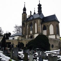 Sedlec Ossuary: Location: Zamecka, 284 03 Kutna Hora, Czech Republic Year of Construction: Started in 1278   The interior decorations and furnishings of this Roman Catholic chapel are made up of an estimated 40,000-70,000 human skeletons.