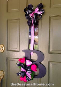 door wreah | front door_alpha wreath with your initial with fall colors...awesome