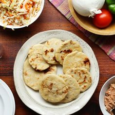 Salvadoran Pupusas As Made By Curly And His Abuelita Recipe by Tasty - Food: Veggie tables Mexican Dishes, Mexican Food Recipes, Honduran Recipes, Mexican Meals, Chinese Recipes, Ganache Torte, Comida Kosher, Recetas Salvadorenas, Salvadorian Food
