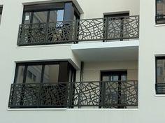 Garde corps d 39 ext rieur en m tal panneaux en verre for Laser sur facade