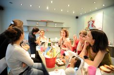 A look #Makeup #girls #party for #henparty #bachelorette party  #paris @Gloss'up Beauty Bar