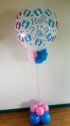 """He or she"" Pop it to see!  Helemaal hot de gender reveal ballonnen!  #genderreveal #poptosee #heorshe #ballonnen #babycomming"
