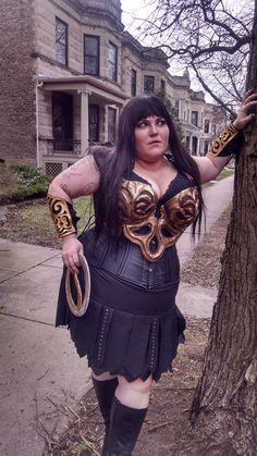 Fat Babe Cosplayer Dommenique Dumptrux of QueersPlay Cosplay cosplays Xena the Warrior Princess