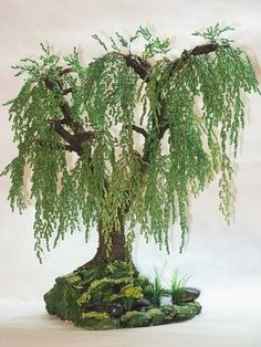 We make a luxurious wisteria tree from beads French Beaded Flowers, Wire Flowers, Wisteria Tree, Bonsai Tree Care, Wire Tree Sculpture, Wire Trees, Miniature Trees, Wire Crafts, Beads And Wire