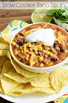 This slow cooker soup is great for the summer, fall, or winter. Make this spicy … This slow cooker soup is great for the summer, fall, or winter. Make this spicy taco soup for game day and serve it with tortilla chips. Slow Cooker Tacos, Crock Pot Slow Cooker, Crock Pot Cooking, Slow Cooker Recipes, Crockpot Recipes, Cooking Recipes, Easy Recipes, Mexican Food Recipes, Dinner Recipes