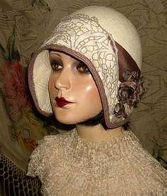 hat - cloche (straw?) 1920s
