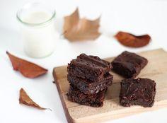 Brownie VGL patate douce, chocolat noir, HV coco, vanille, sirop de riz, petit épeautre, poudre de noisettes
