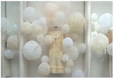 DIY lace balloons