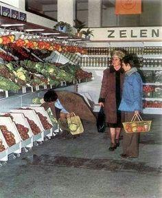 Vintage Country, Retro Vintage, Socialism, Vintage Recipes, Grocery Store, Prague, Bratislava, Cosy, Design