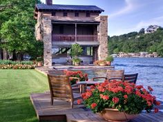 Lake Austin House in Texas...If I had to live in Texas, this is where it would be!!