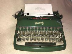 Schreibmaschine Rheinmetall KsT um 1956 grün portable mechanical typewriter