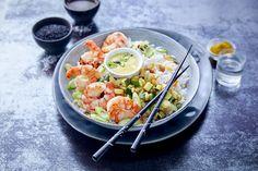 #PokeBowl de #crevettes, #courgettes et #riz aux #raisins Poke Bowl, 200 Calories, Salad Bowls, Pasta Salad, Bowl Cake, Buddha Bowl, Potato Salad, Dinner Recipes, Brunch