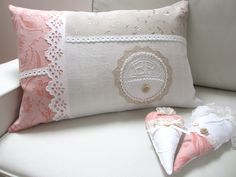 Shabby Vintage, Vintage Stil, Linen Pillows, Bed Pillows, Shabby Chic Stil, Lace, Etsy Shop, Decor, Scrappy Quilts