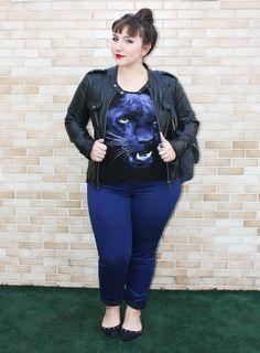 Camiseta-estampada-e-calça-azul