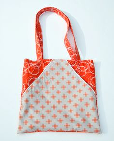 Triangle Pocket Tote Tutorial | Sew Mama Sew | Outstanding sewing, quilting, and needlework tutorials since 2005.