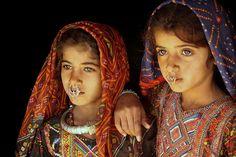 Le Rabari, également appelé Rewari ou Desai, Raika sont une caste de bétail nomades tribales autochtones et éleveurs de chameaux et des pasteurs qui vivent autour de la partie nord-ouest de l'Inde, principalement dans les États du Gujarat, Punjab et Rajasthan