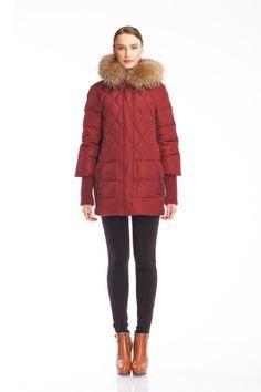 Каталог | Стильная и модная одежда: куртки, пуховики, плащи, ветровки, рубашки, блузки и брюки. Франчайзинг одежды