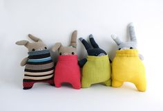 Mr&Mrs 'Matching Jumpers' bunny rabbit plushies par theRemakerie