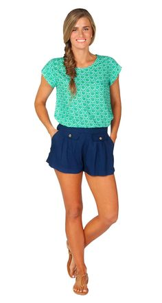 Escapada Living   Short Sleeve Kendall top in Emerald/ White Cucumber