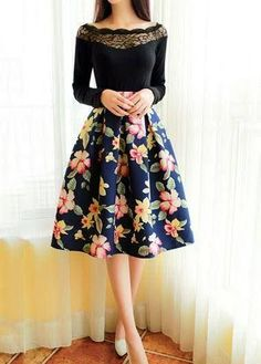 Women Dark Floral Prints Pattern Pleated Umbrella Skirts 2016 Female New Fashion Vintage Skirt Midi Floral Skirt Outfits, Pleated Skirt Outfit, Floral Pleated Skirt, Dress Skirt, Floral Skirts, Pleated Skirts, Skirt Midi, Flared Skirt, Skirt Suits