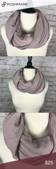 Aritzia WILFRED FREE Infinity Scarf  Wrap Aritzia WILFRED FREE Infinity Scarf  Wrap Excellent Condition  Excellent condition, minimal wear. From smoke free home.  Check out my other items! Wilfred Accessories Scarves & Wraps