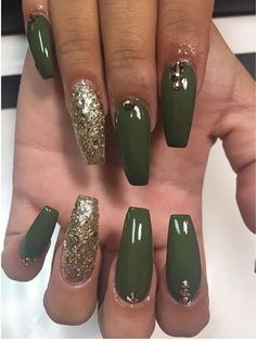 Green and Gold Nails. Acrylic Na… Fall Nails. Green and Gold Nails. More from my site Acrylic Nails For Summer Bright green coffin nails Cute Nails, Pretty Nails, Dark Green Nails, Acrylic Nails Green, Matte Olive Green Nails, Olive Nails, Green Nail Designs, St Patricks Day Nails, Ballerina Nails