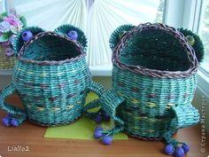 Поделка изделие Плетение Жабки шкатулка и корзинка Трубочки бумажные фото 1