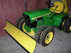 1969 John Deere 112 - Mowing deck is now restored too John Deere Garden Tractors, Lawn Mower Tractor, Farmall Tractors, Lawn Tractors, John Deere Toys, Homemade Tractor, Tractor Photos, John Deere Equipment, Compact Tractors