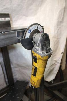 Welding Shop, Welding Tips, Welding Table, Welding Projects, Welding Ideas, Power Tool Storage, Garage Tool Storage, Garage Tools, Metal Working Tools
