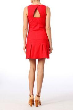 Robe rouge Naf naf 70€ http://www.monshowroom.com/fr/zoom/naf-naf/robe-trapeze-avec-ouverture-goutte-raison/155392