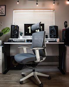 Autonomous focuses on SmartDesk 2 - most affordable height adjustable standing desk, ErgoChair 2 & Kinn Chair - best ergonomic office chair. Autonomous Inc helps offices Pc Setup, Desk Setup, Desk Chair, Smart Office, Computer Setup, Ergonomic Chair, Home Office Space, Game Room, Man Cave