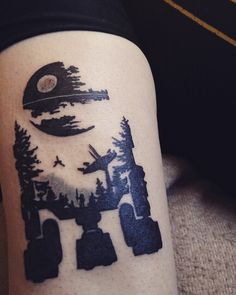 My freshly done R2-D2 tattoo by Jose Rodriguez at Talulah Tattoo shop