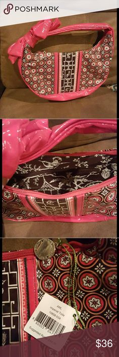 NWT Vera Bradley handbag Very posh/chic handbag.  Has a lot of storage plus a decorative  inside with zipper! Great for a night out, special event, or day to day. Great for TWEENS, TEENS, AND ADULTS :) Vera Bradley Accessories